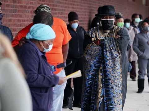 Voters wait in line